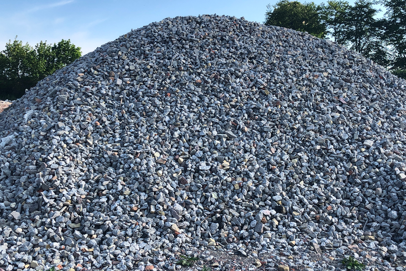 Grov knust beton